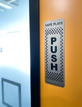 Veraco Anti Viral Push Plate - 300mm x 100mm